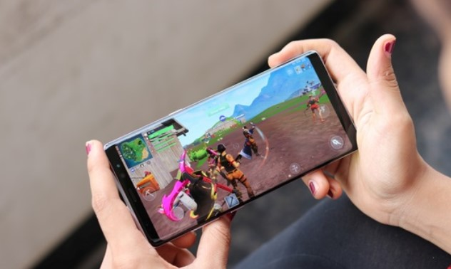 SAMSUNG GALAXY NOTE 9 BISA FORTNITE